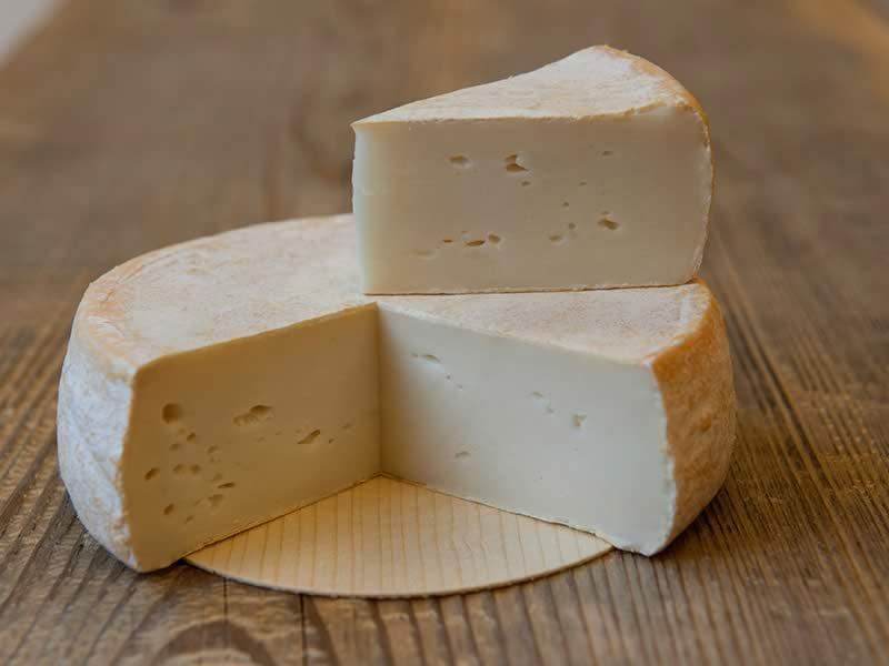 Chevrotin-Fromage-de-chevre-AOP-Savoie-Haute-Savoie_Page-Accueil_bandeau1_un-savoir-faire